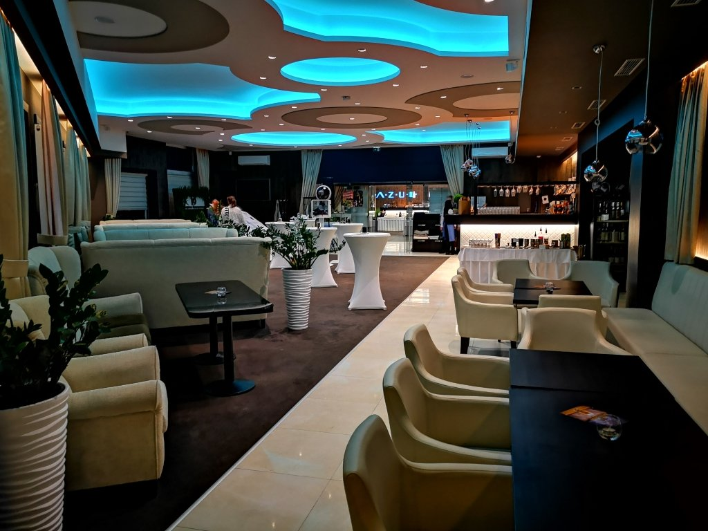 Kaviareň - AZUL Hotel & Restaurant