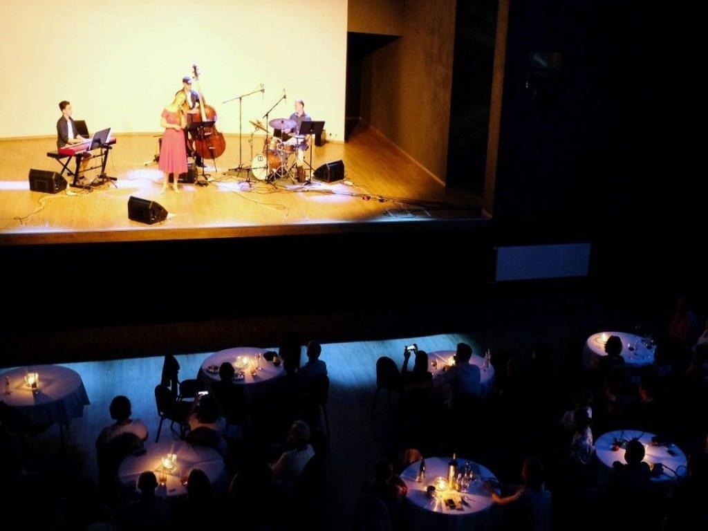 Koncert - AZUL Hotel & Restaurant