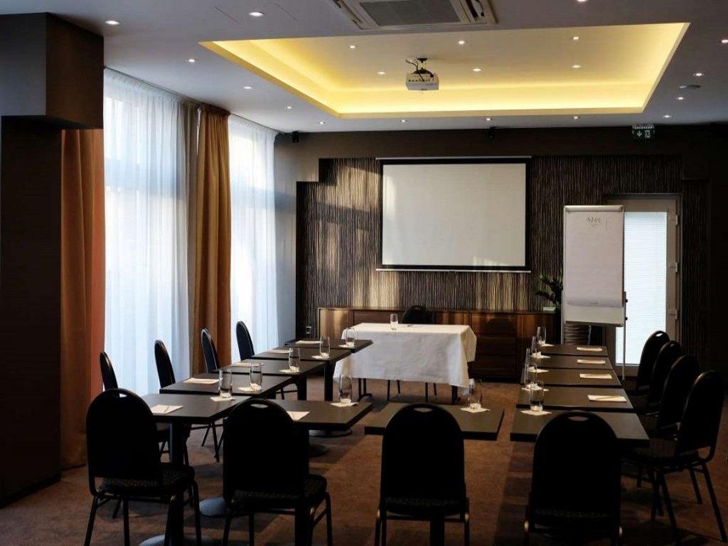Pracovné stretnutie - AZUL Hotel & Restaurant